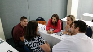 Grupo preparando narrativa
